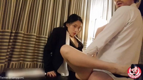 June Liu – Full Video Chinese manager punished her employee f
