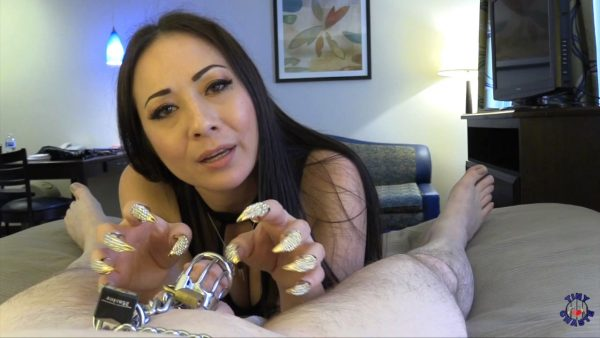 TinyChaste – Nyssa Nevers – Golden Claws