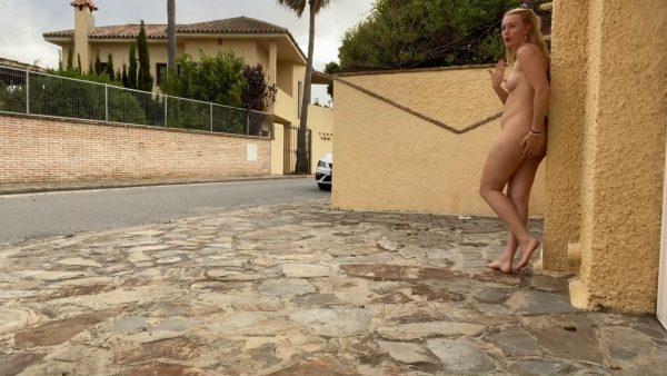Ivi Roses – Embarrassed Naked Barefoot Walk 11