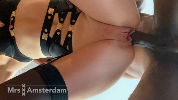 MrsAmsterdam BBC QoS – Bareback fuck by a BBC in My Kitchen