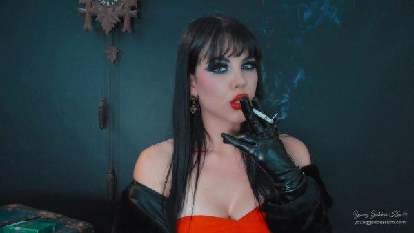 Young Goddess Kim – Red Rush
