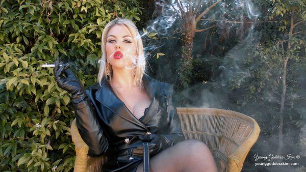 Young Goddess Kim – Smoke & Leather Slave