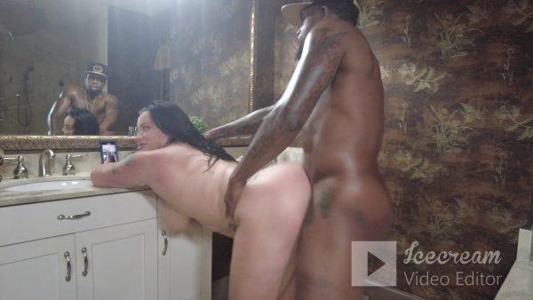 Davina Winters – Rough Bathroom Fuck and Suck With Rome