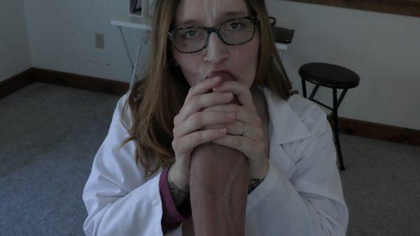 Bettie Bondage – Doctor Loves Your Big Dick