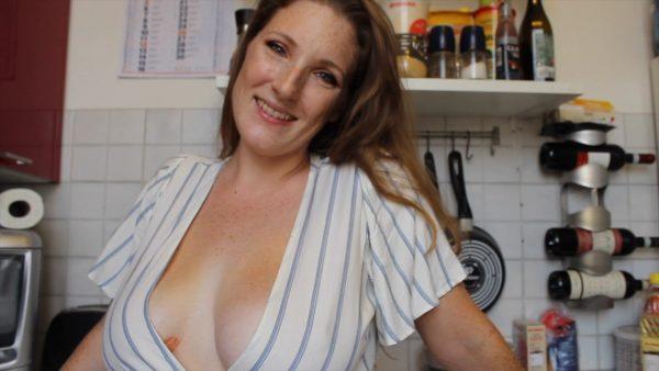 Littleredheadlisa – Your Friends Hot Mom
